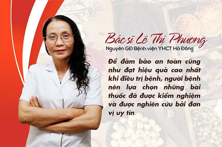 Bác sĩ Phương đưa ra lời khuyên với bệnh nhân sỏi tiết niệu